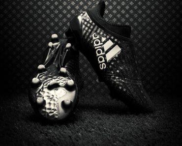 adidas-chequered-pack-zwarte-voetbalschoenen