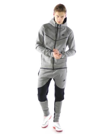 9231dbf299f HOT Item: De Nike Tech Fleece Broek - FootballMag